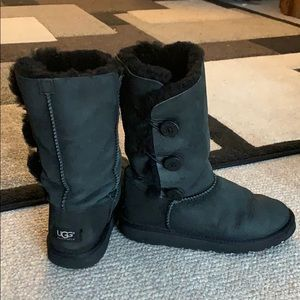 Tall Black Ugg's Size 4